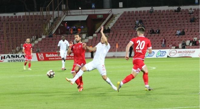 TFF 1. Lig'in 4. hafta müsabakasında Balıkesirspor sahasında Ümraniyespor'u 2-0 yendi.