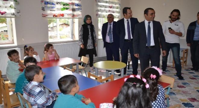 Şenkaya Belediyesi ve hayırsever vatandaşlarında desteğiyle tadilatı yapılan Akşar Anaokulu tamamlanarak açılışı yapıldı.