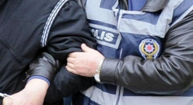 2 ilde terör örgütü DEAŞ'a yönelik gerçekleştirilen operasyonlarda 8 kişi gözaltına alındı. Zanlılardan 7'si çıkarıldıkları mahkemece tutuklanırken, 1'i adli kontrol şartı ile serbest bırakıldı.