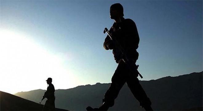 Hakkari'de Jandarma Teğmen Güngör Dolunay'ın şehit edilmesi olayının failleri arasında yer aldıkları tespit edilen 3 terörist etkisiz hale getirildi.