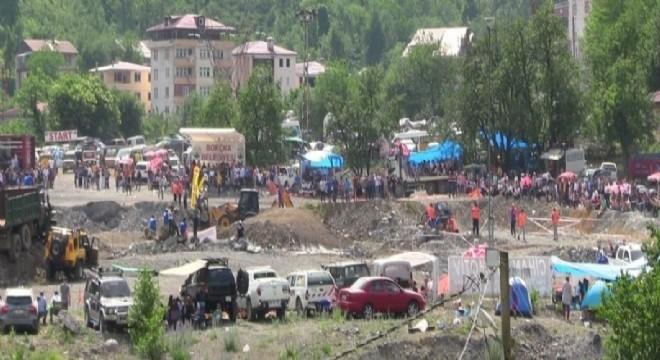Artvin'in Borçka ilçesi Demirciler Köyünde gerçekleşen off-road yarışları nefes kesti.