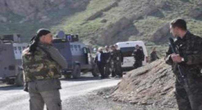 Barış Pınarı Harekatı kapsamında Türk Silahlı Kuvvetleri (TSK) tarafından Mardin'in Suriye sınırında bulunan Kamışlı bölgesinde 5 YPG-PKK'lı terörist etkisiz hale getirildi.