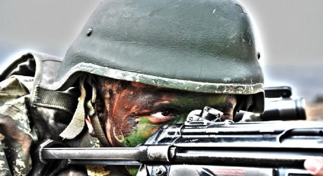 Milli Savunma Bakanlığı, Afrin'de PKK / YPG terör örgütleri ile girilen çatışmada saldırıyı gerçekleştiren teröristlerin etkisiz hale getirildiğini açıkladı.