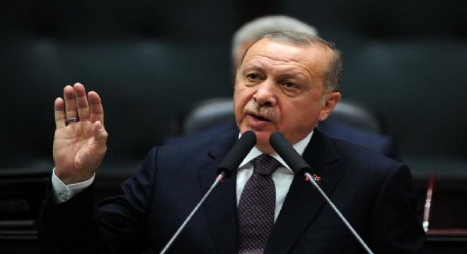 """Cumhurbaşkanı Recep Tayyip Erdoğan, """"Tüm milletime sesleniyorum, bırakın doları, paramıza dönelim, Türk Lirası'na dönelim. Türk Lirası kaybettirmiyor. Milliliğimizi, yerliliğimizi burada da gösterelim"""" dedi."""