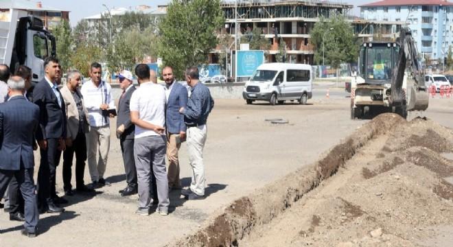 Büyükşehir Belediye Başkanı Mehmet Sekmen, Şükrüpaşa Viyadük ve Gez Mahallesi'nde devam eden saha çalışmalarını yerinde inceledi.