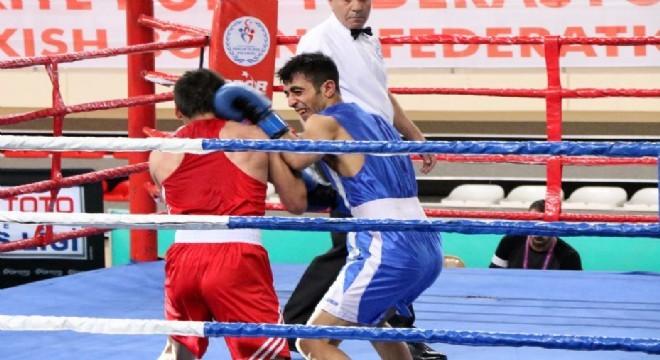 Türkiye Boks Federasyonu'nun 2019 yılı faaliyet programında yer alan Türkiye Büyük Erkekler Ferdi Boks Şampiyonası Erzincan'da başladı.