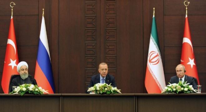 """Cumhurbaşkanı Erdoğan, """"Suriye"""" konulu üçlü zirve toplantısı sonrasında yaptığı açıklamada, """"Geldiğimiz nokta itibarıyla Suriye'de DEAŞ tehdidi artık ortadan kalkmıştır. Suriye'nin istikbali için en büyük tehdit kaynağı PKK ve onun uzantısı olan YPG-PYD'dir.' dedi"""
